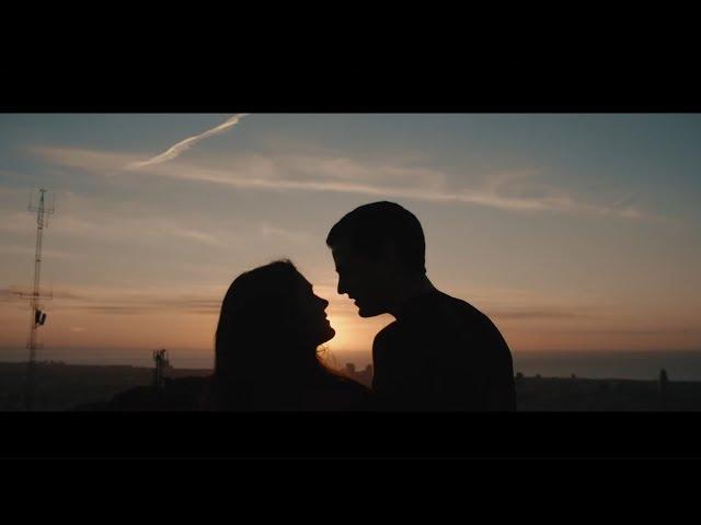 Efecto Pasillo - Similares ft. Sinsinati (Videoclip Oficial)