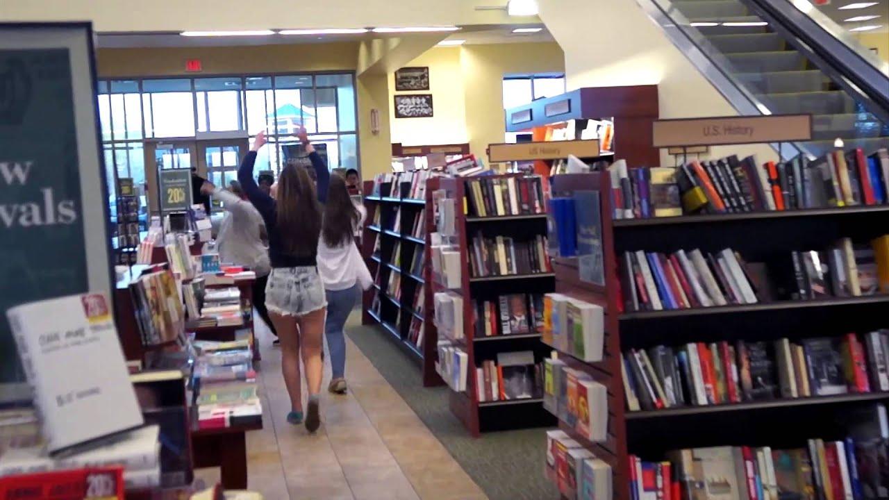 Flashmob at Barnes Noble RIT bookstore YouTube