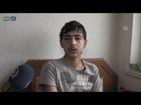 سوري يقوم بدور الأب والأم لشقيقه المشلول في تركيا