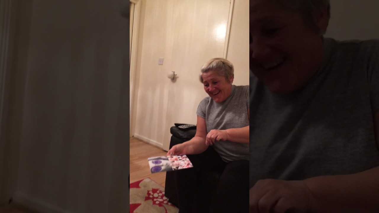 mum opens boomf flutter youtube