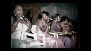 Zena Mohamed & Five Stars Modern Taarab - Watu Na Tabia Zao Tu