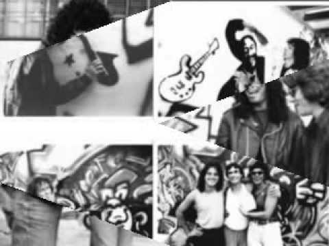 Radio Brasil 2000 FM - Slide Show