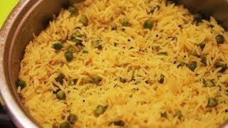 Как приготовить вкусный рассыпчатый рис / Лимонный рис с зеленым горошком - рецепт.(Лимонный рис с зеленым горошком, напомнит вам о солнечном лете, о зеленой листве. Вкус и запах этому блюду..., 2014-02-28T11:00:03.000Z)