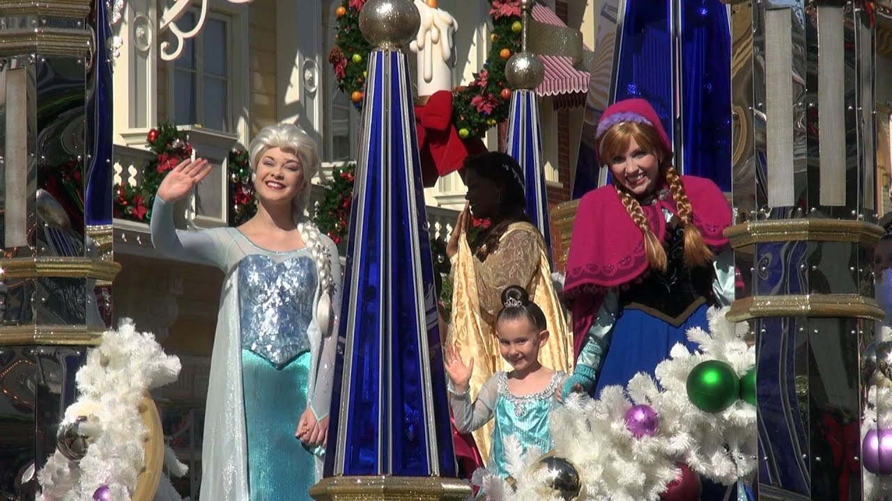 FROZEN Christmas Celebration LIVE PARADE TAPING with Elsa