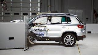 2013 Volkswagen Tiguan small overlap IIHS crash test