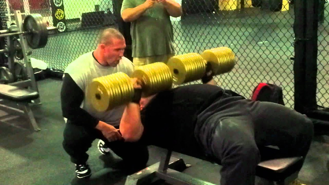 Big E reppin 210lbs dumbells for 17 reps!! - YouTube