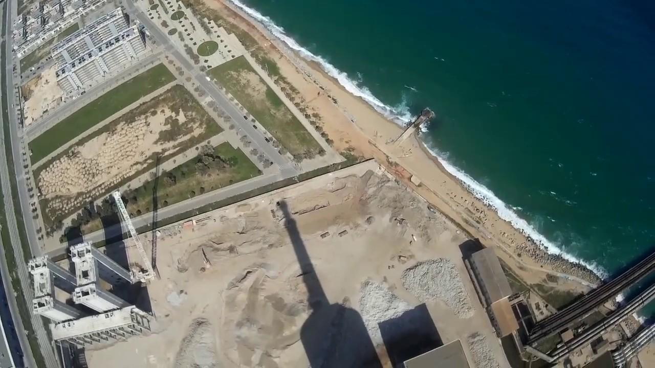 Vistas aereas de las chimeneas de san adrian barcelona espa a youtube - Chimeneas barcelona ...