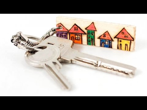 Make a Pretty Wooden Keychain - DIY Style - Guidecentral