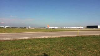 Toronto Pearson International Airport (CYYZ) | Runway 15L Landings & Takeoffs