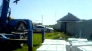 выгрузка кирпича(, 2012-02-16T12:50:00.000Z)