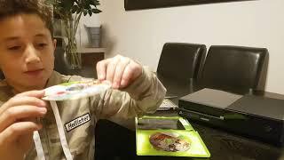 Gta 5 Xbox one unboxing and gta 5 Xbox 360 unboxing ولل اكسبوكس 3 فتح علبه قراند 5لل اكس بوكن ون