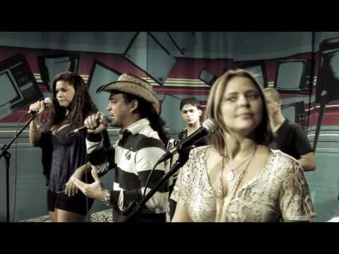 """Cavaleiros do Forró em """"Beber e amar"""" no Estúdio Showlivre 2010"""