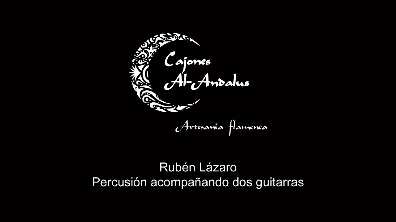 RUBÉN LÁZARO, percusionista, tocando el cajón flamenco