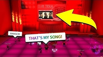 HEARING MY OWN SONG IN A ROBLOX CLUB *HILARIOUS*