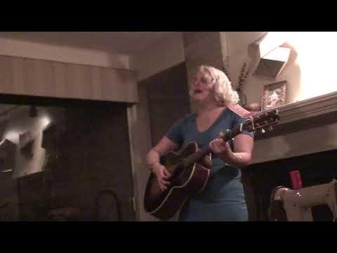 Jeni Hankins SIngs Tazwell Beuaty Queen 11 17