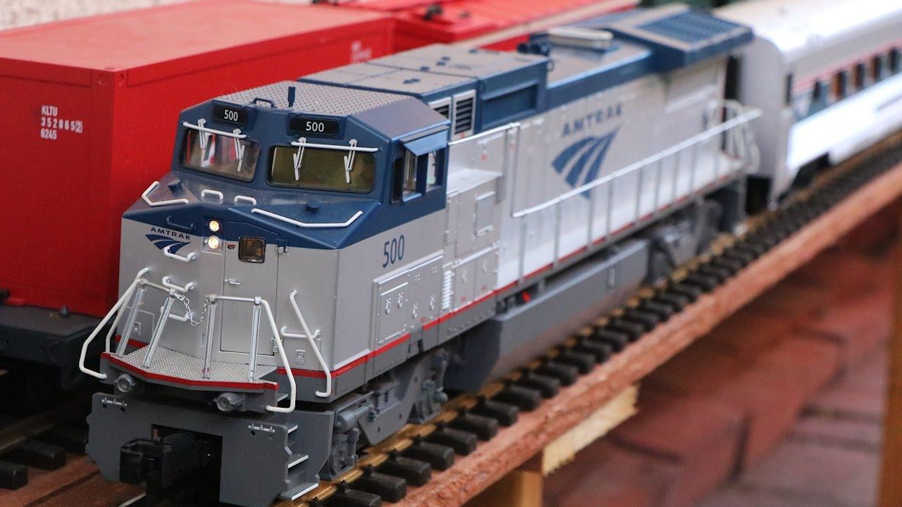 big model trains amtrak passenger train in g scale youtube. Black Bedroom Furniture Sets. Home Design Ideas