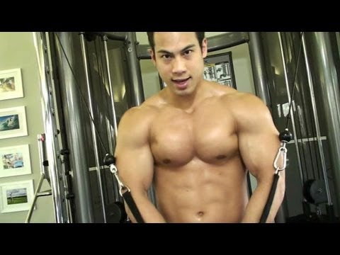 YouTube partner Muscle - Bodybuilder Tuan Tran maximized pecs pump