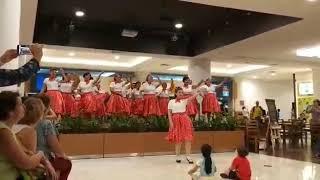 Professora Vivian Vargas, Instrutora de Dança Livre do Projeto Terceira Idade Saudável