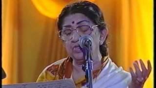 Lata Mangeshkar - Aayega Aanewala / Naina Barse Rhim Jhim (Live Performance)