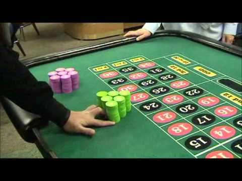 How to pushing stacks in roulette single- and dual-polarized tunable slot-ring antennas