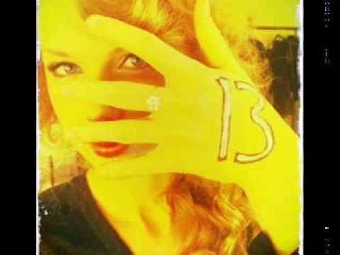 Taylor Swift - Twitter pictures
