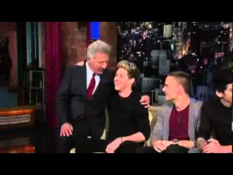 Dustin Hoffman Kisses Niall Horan from One Direction - YouTube