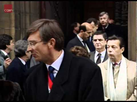 Castro attends funeral of Francois Mitterand