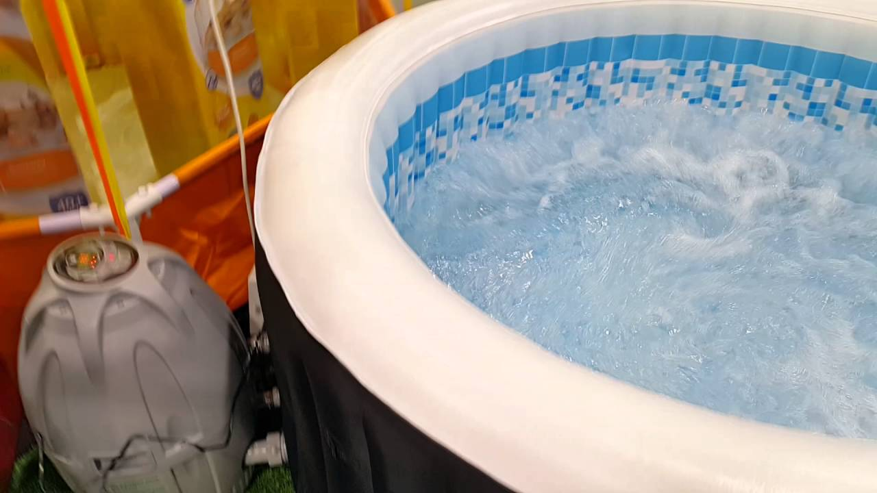 Jacuzzi Pool Youtube Jacuzzi At Ace Dubai 28 04 2016 Youtube