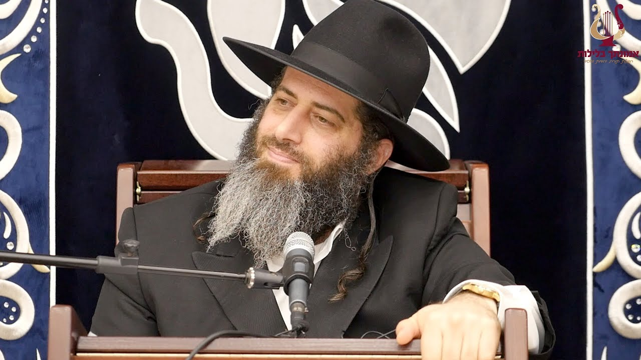 הרב רונן שאולוב - מה שיכנע עשיר יהודי במחלקת עסקים להניח תפילין לראשונה בגיל 50 !? מרגש עד דמעות !!
