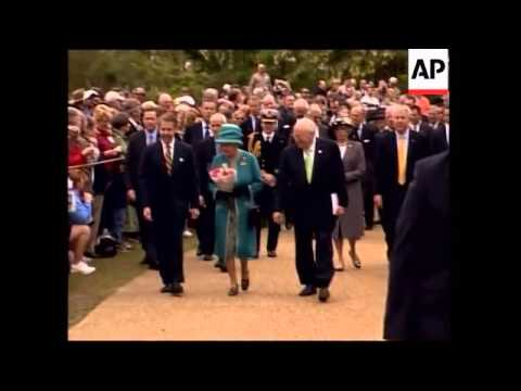 Vice President Dick Cheney welcomes Queen Elizabeth to Virginia