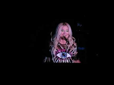 【Strawberry Alice】Kesha 2016 World Tour Shanghai, Shanghai Grand Stage, 04/10/2016.