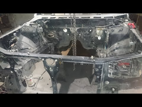 Subaru Forester S-Turbo, demontaż silnika jedną ręką, time lapse.