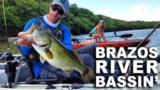 kayak fishing brazos river bassin with connie lone star kayak guide