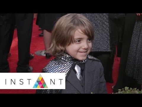 Modern Family: Jeremy Maguire Shows Off His Cape To Matt Bellassai | SAG | INSTANT