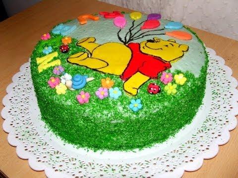 """Торт """"Винни Пух"""" с украшением из сахарной мастики из маршмэллоу"""