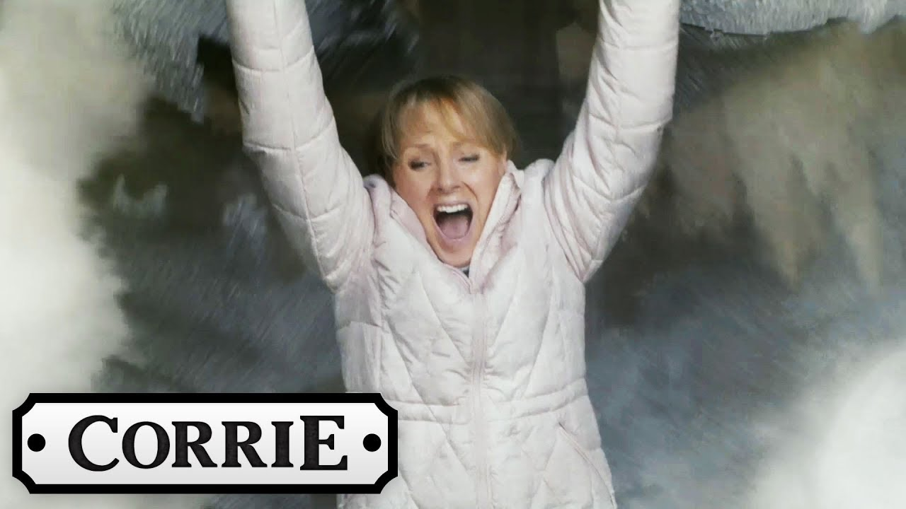 Coronation Street The Factory Roof Collapses Youtube