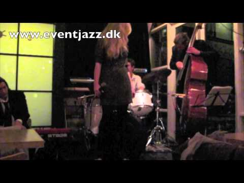 Free Download Corcovado By Eventjazz Feat. Karina Kappel Mp3 dan Mp4