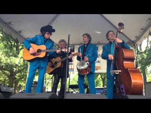 Marty Stuart sings Tempted in Central Park