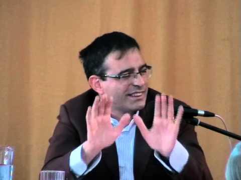 VITO MANCUSO: Obbedienza e libertà (14/10/2012)