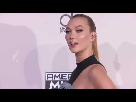 Karlie Kloss Fashion - AMAs 2016