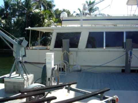 SOLD - 72 Pacemaker Flybridge MotorYacht 1977 boat for sale 1 World Yachts SOLD