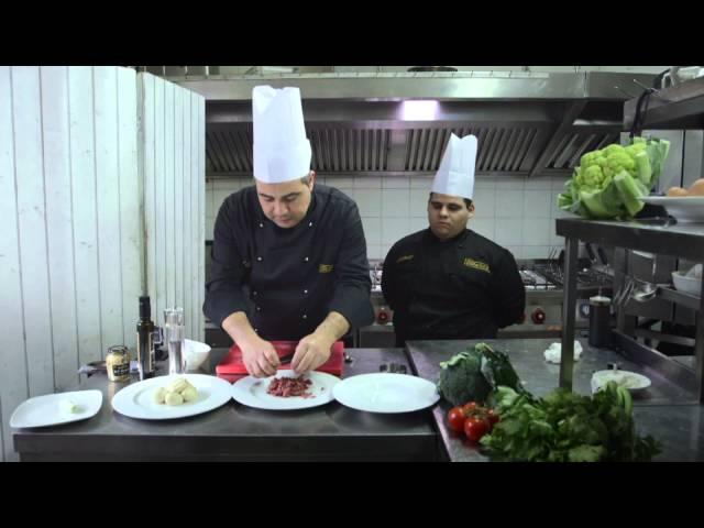 Video Ricetta Tartare di vacca Cinisara con infuso di bufala affumicata - Villa Costanza