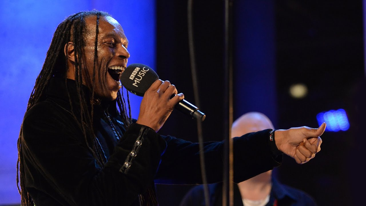 The Beat ft Ranking Roger - Ranking Full Stop/Mirror In The Bathroom (The Quay Sessions)