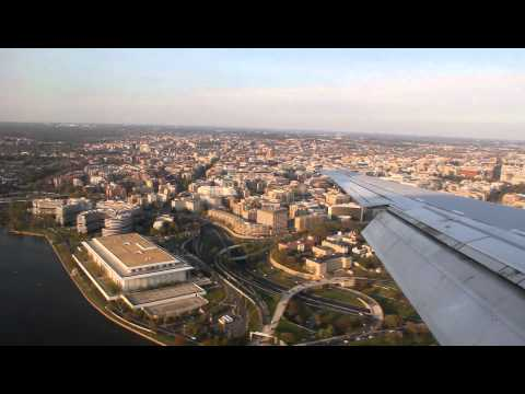 Beautiful Landing in Washington National (DCA): Delta MD-90