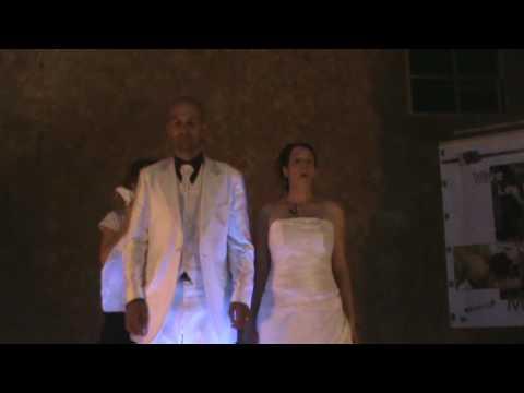 entrée magique des mariés dans la salle - youtube