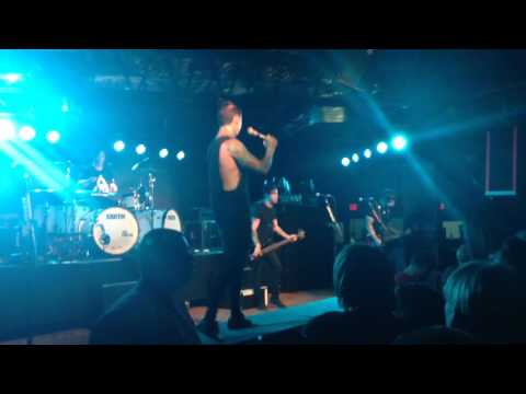 Reverse This Curse - Falling In Reverse (Live)