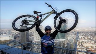 French cyclist climbs 33 floors