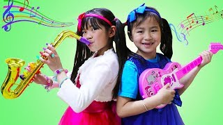 Emma & Jannie Pretend Play w/ Guitar & Saxophone Music Toys & Sing Kids Songs Nursery Rhymes