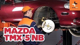 Hoe een remschijven vooraan van remblokken vervangen op een MAZDA MX-5 HANDLEIDING | AUTODOC