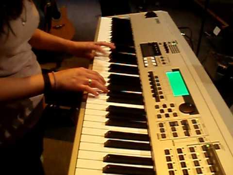 Download Yamaha MO8 (Hosanna)